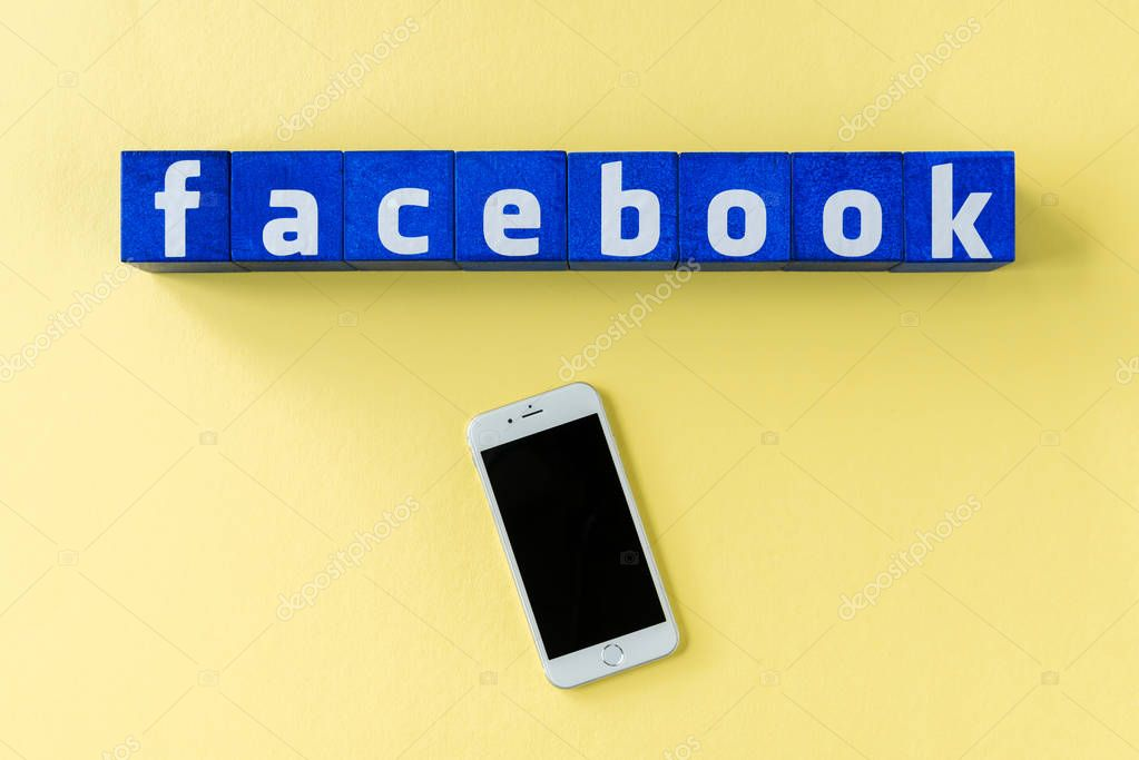 facebook logo made from cubes