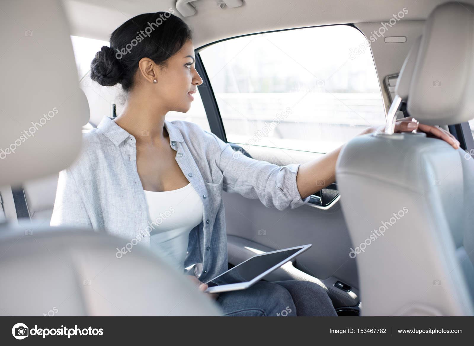Сосущие телки в такси, После вечера с подружками тёлочка заказывает такси 19 фотография