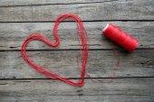 Fotografia Segno del cuore fatto da filo