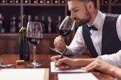 Sommelier, borkóstoló pince bor