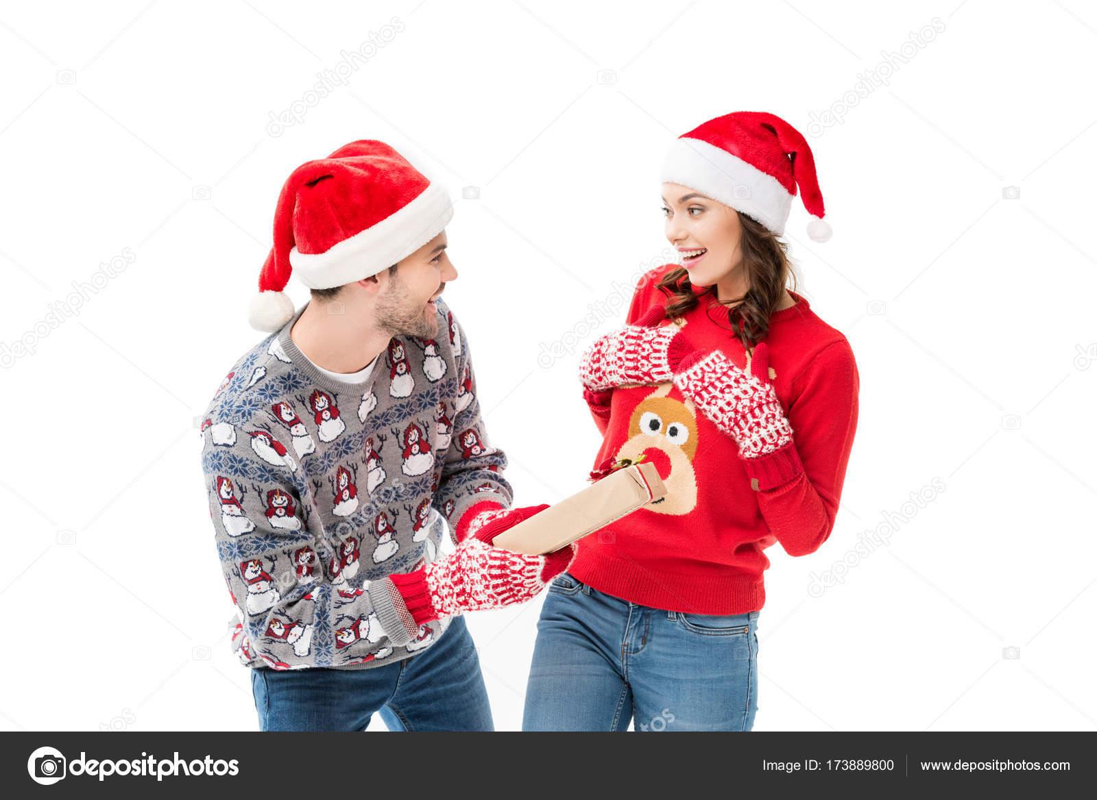 Fotos Hombre Regalo Hombre Dar Regalo De Navidad Para Mujer