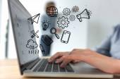 Fotografie Bild der geschäftsfrau arbeiten mit Laptop, handgezeichnete Business Icons abgeschnitten