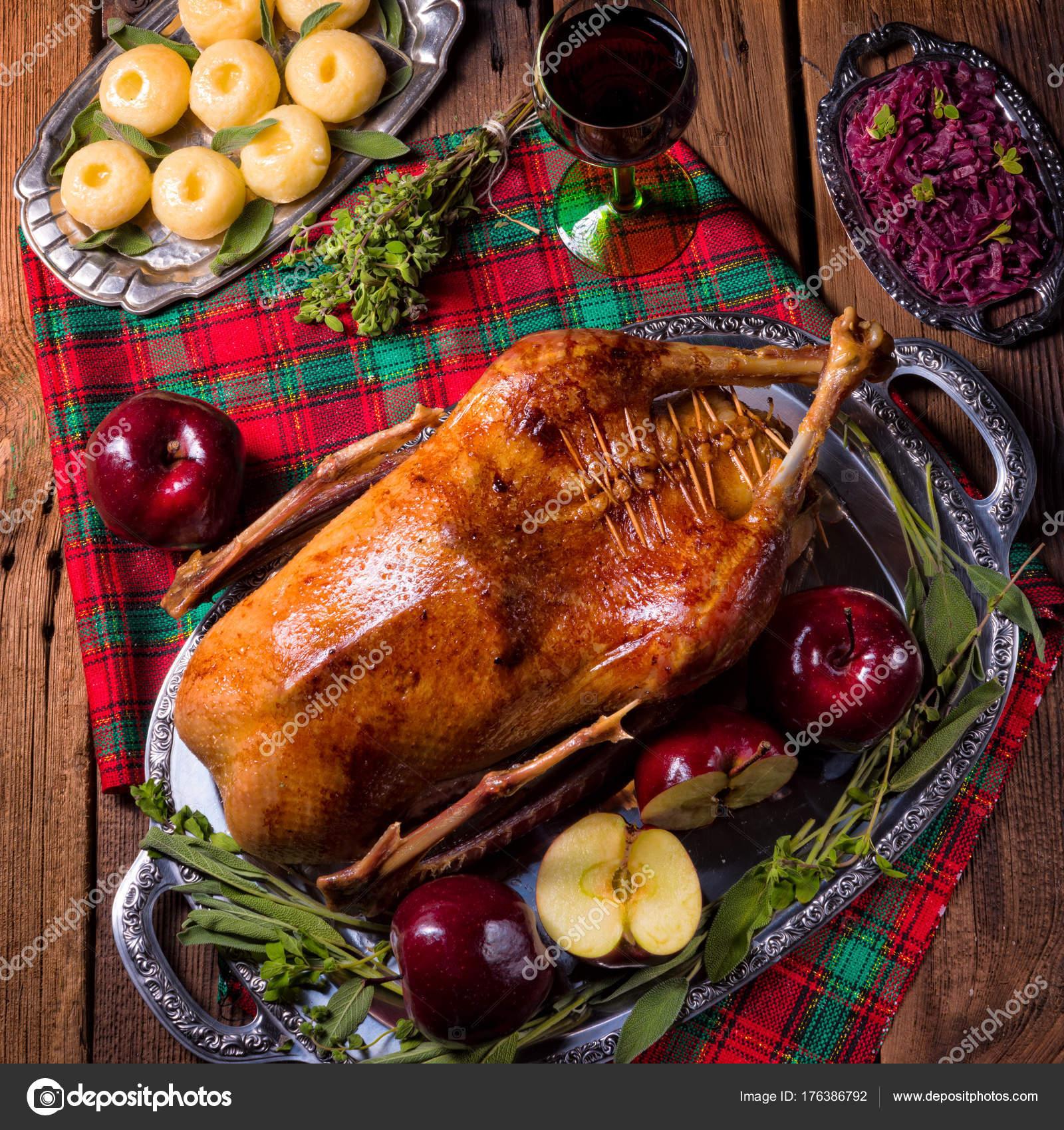 Weihnachten Ente.Köstliche Braten Weihnachten Ente Mit äpfeln Stockfoto Dar19 30
