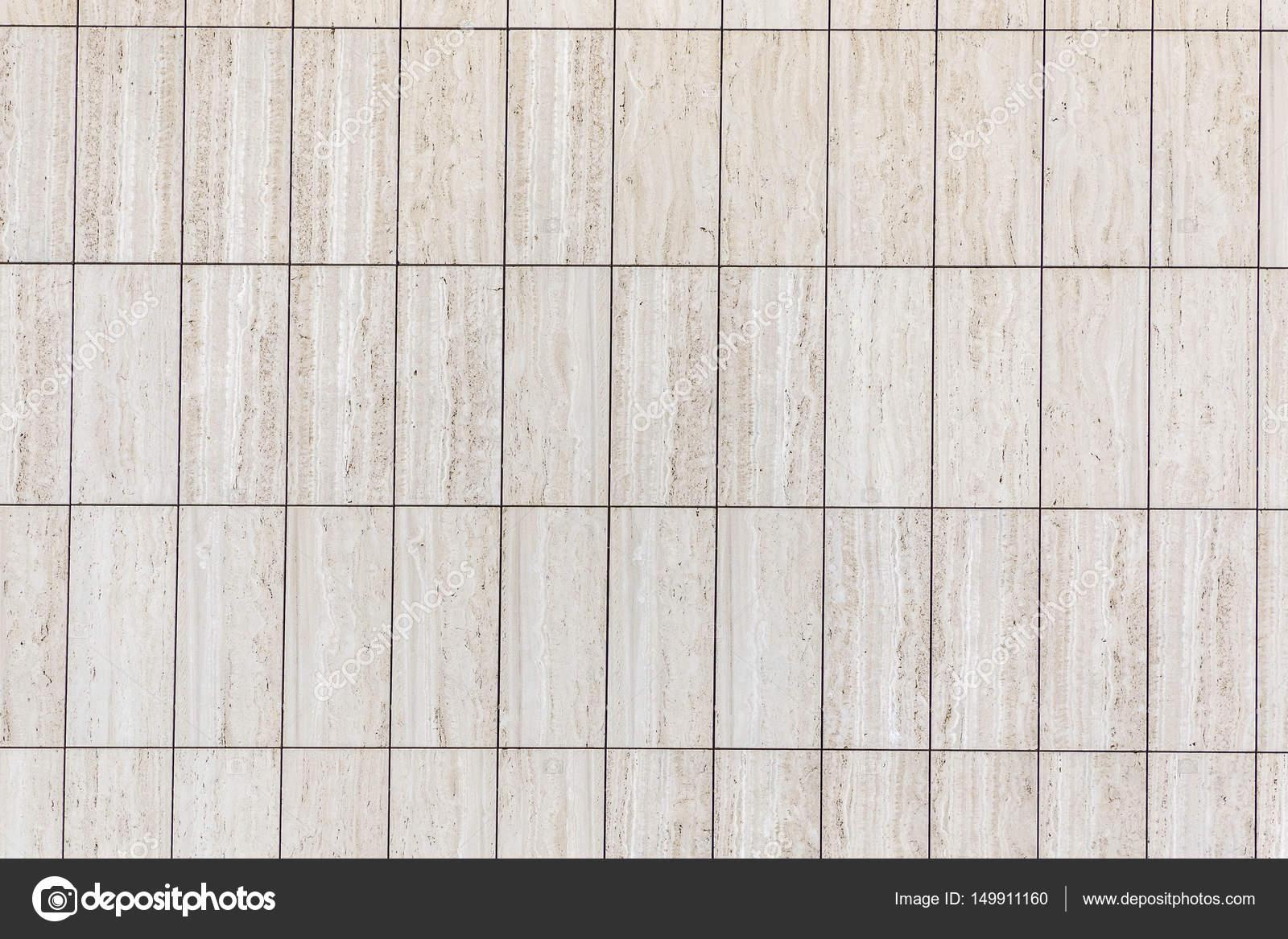 Facciata in marmo con piastrelle rettangolari u foto stock