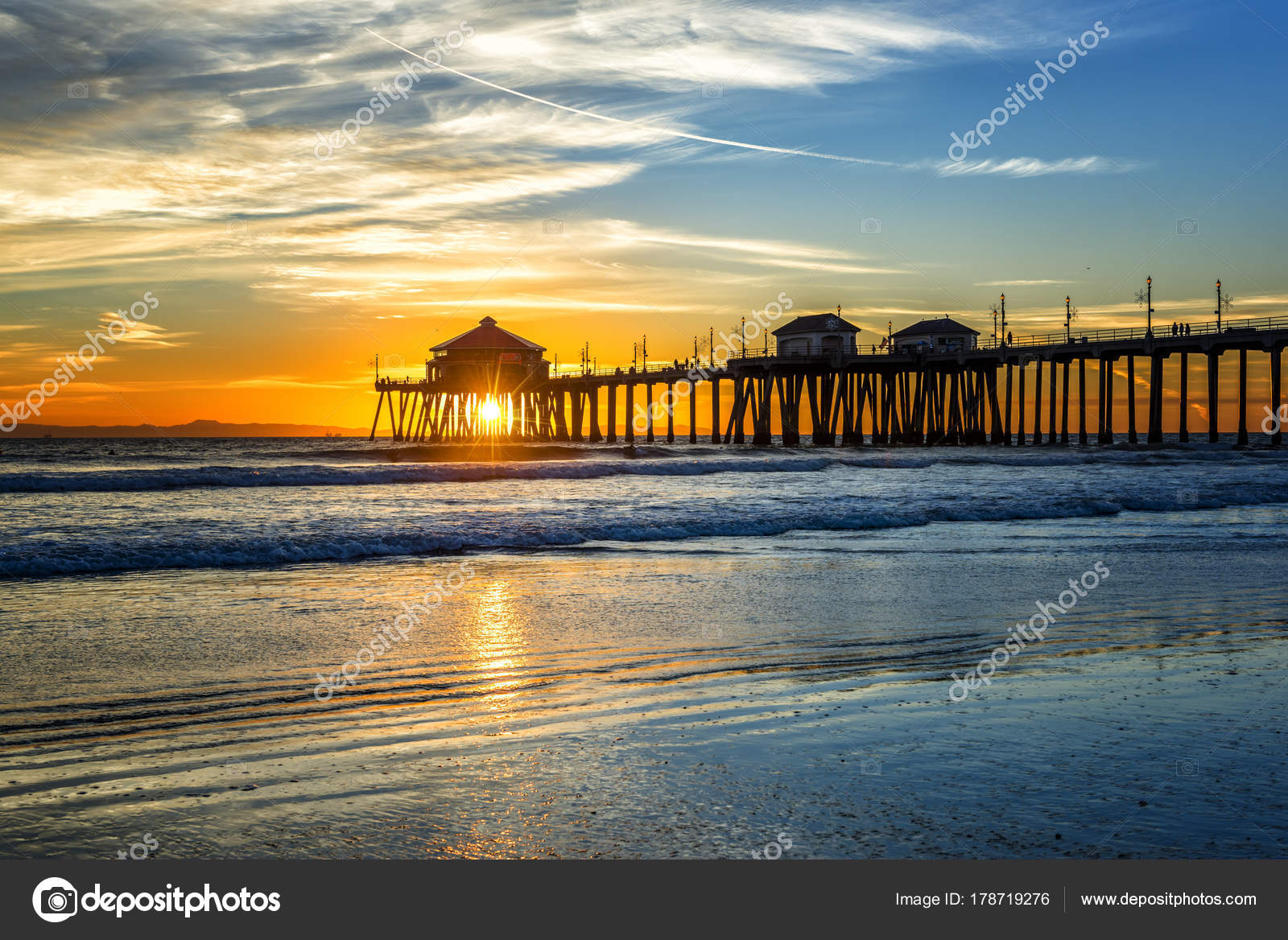 Huntington Beach Pier At Sunset Stock Photo C Kelpfish 178719276