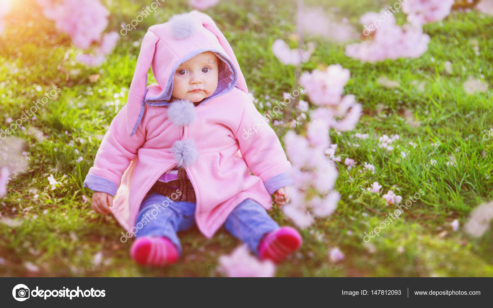 sweet little baby girl in park — stock photo © fotografie-link