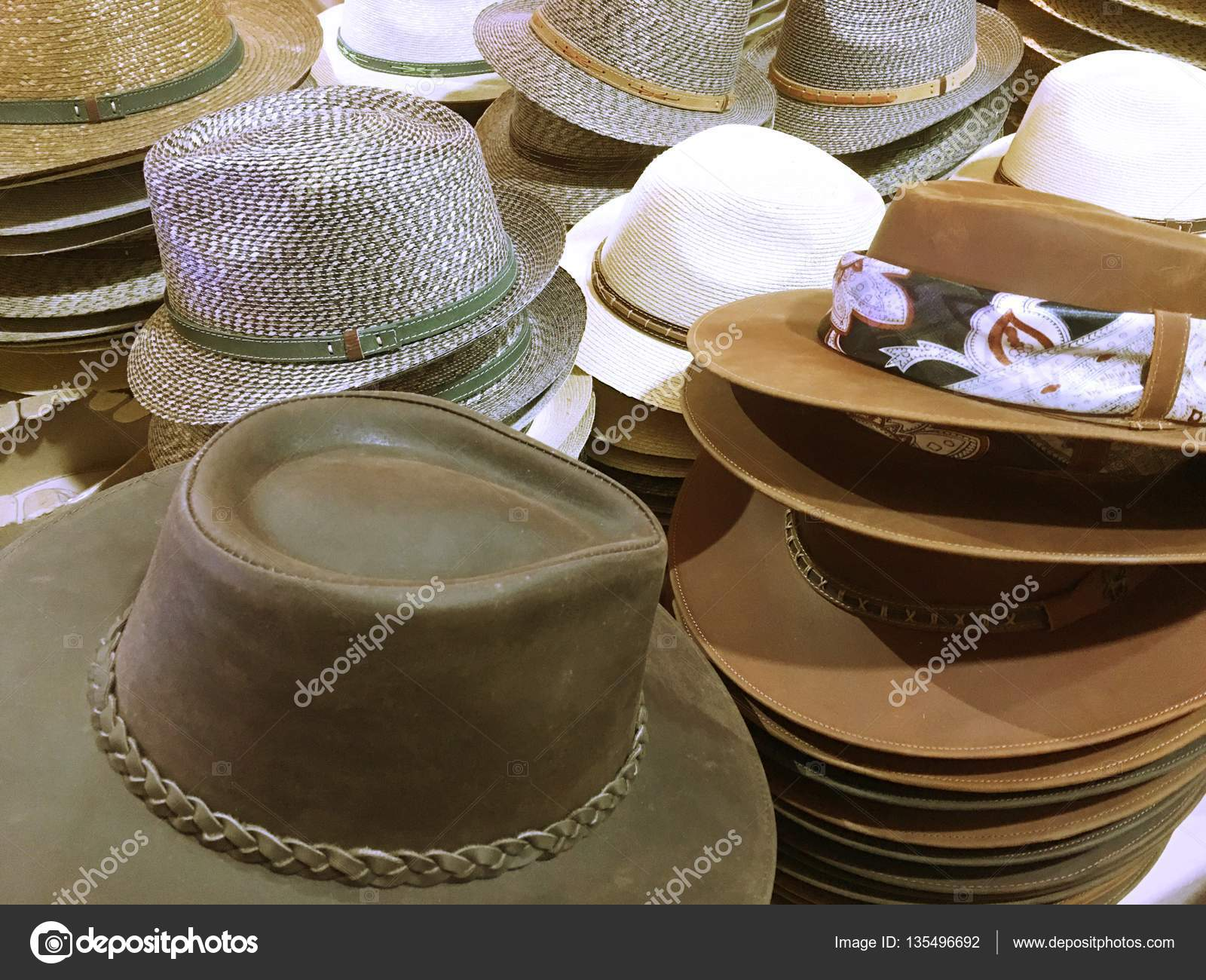 Sombreros de vaquero en Chile — Fotos de Stock © tjalex4life gmail ... a0d3cb7c0e9