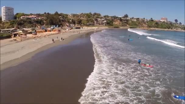 Krajina kamenitá pláž a dovolená v Chile