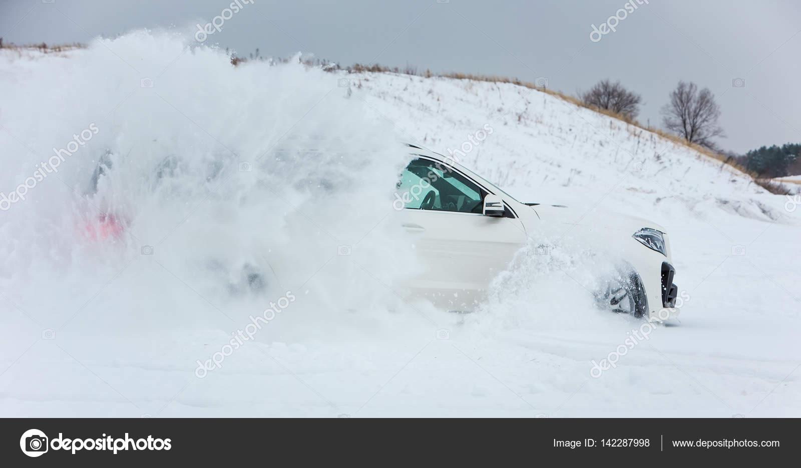 Russia Togliatti December 25 2016 Snow Test Drive Of
