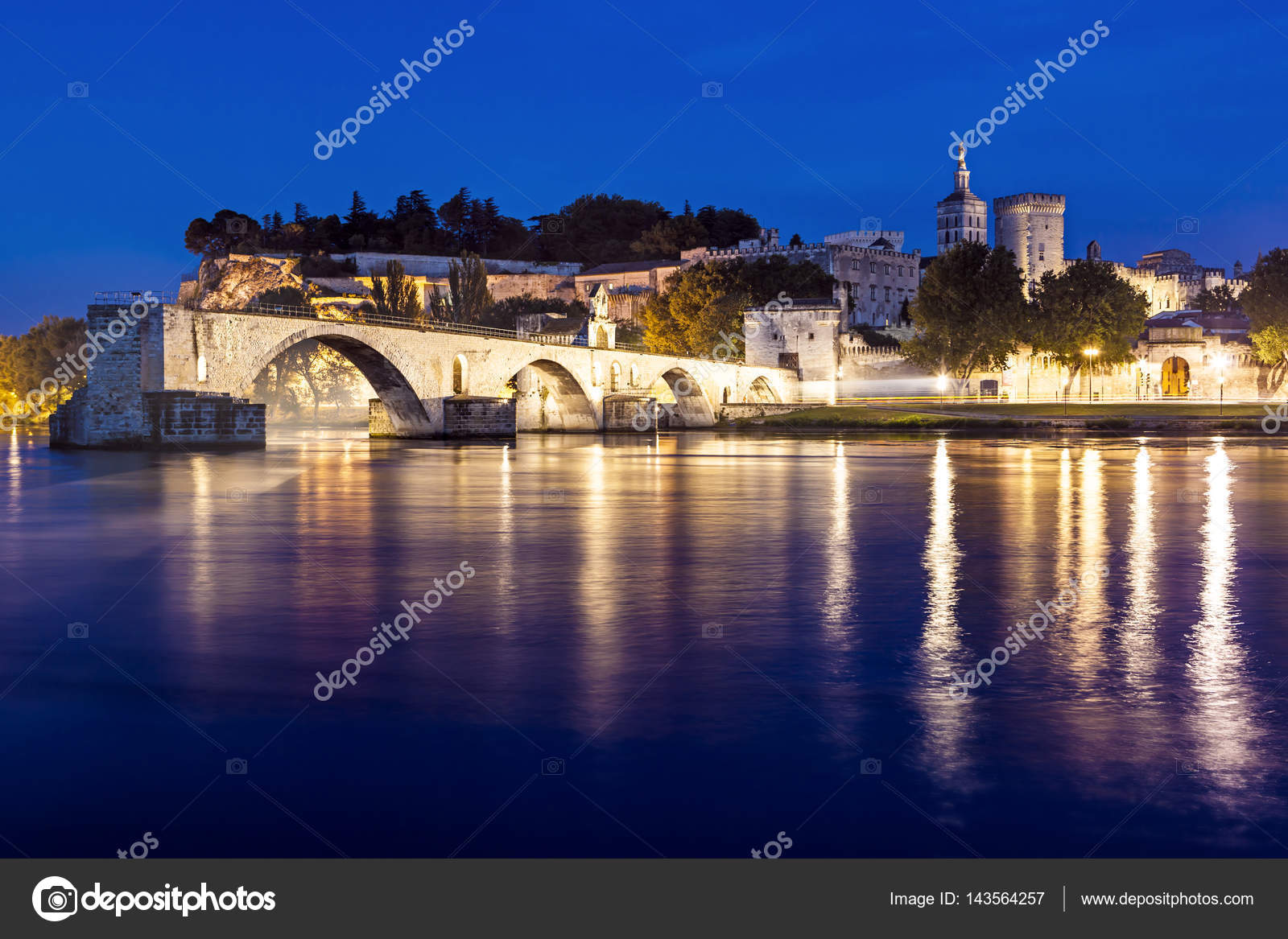 Avignon bridge provence france foto stock robynmac for Piani di progettazione di ponti gratuiti