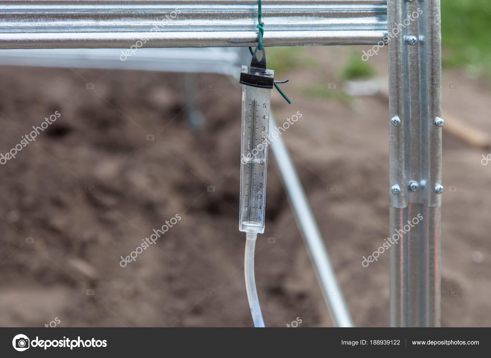 Instalación de primer plano de invernadero marco — Foto de stock ...
