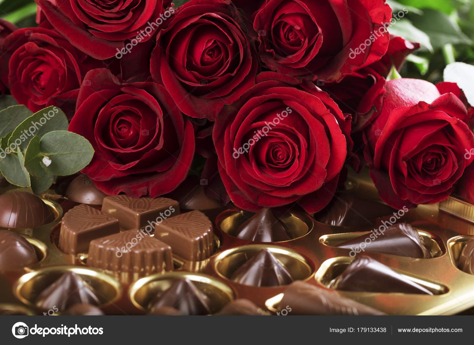 fotos de bombones y rosas
