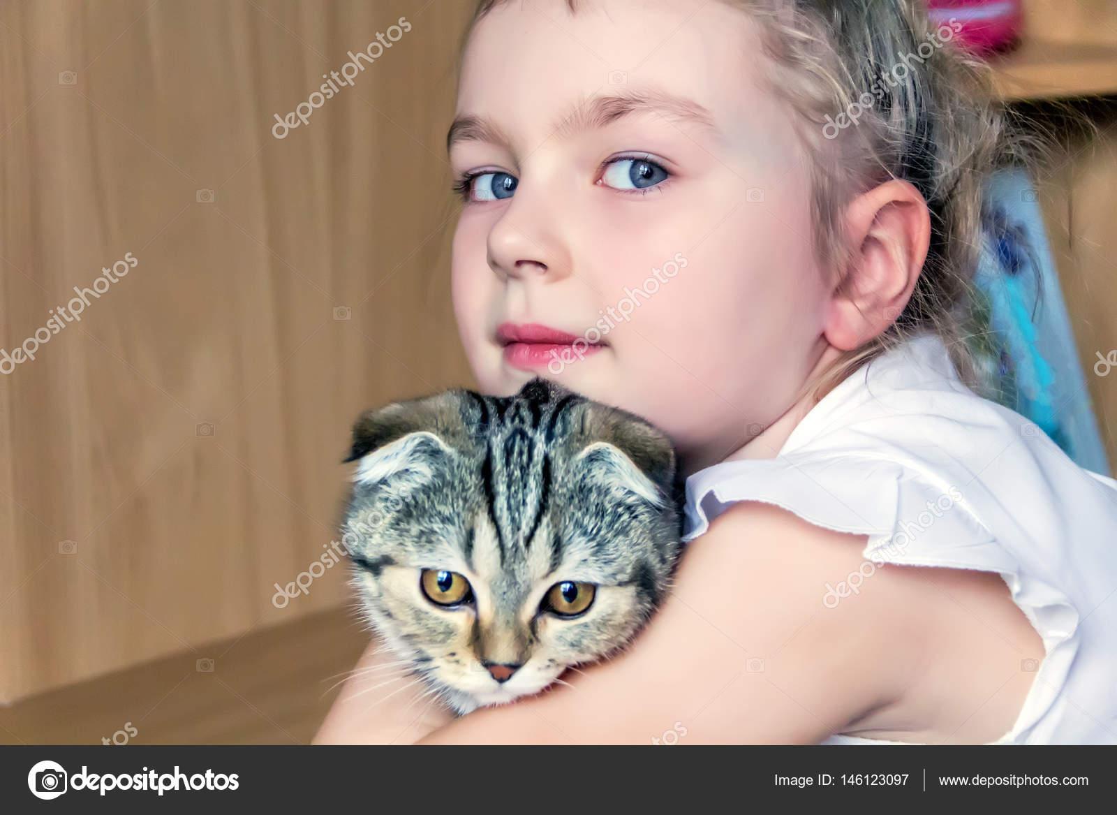 Фото девушек кошечка