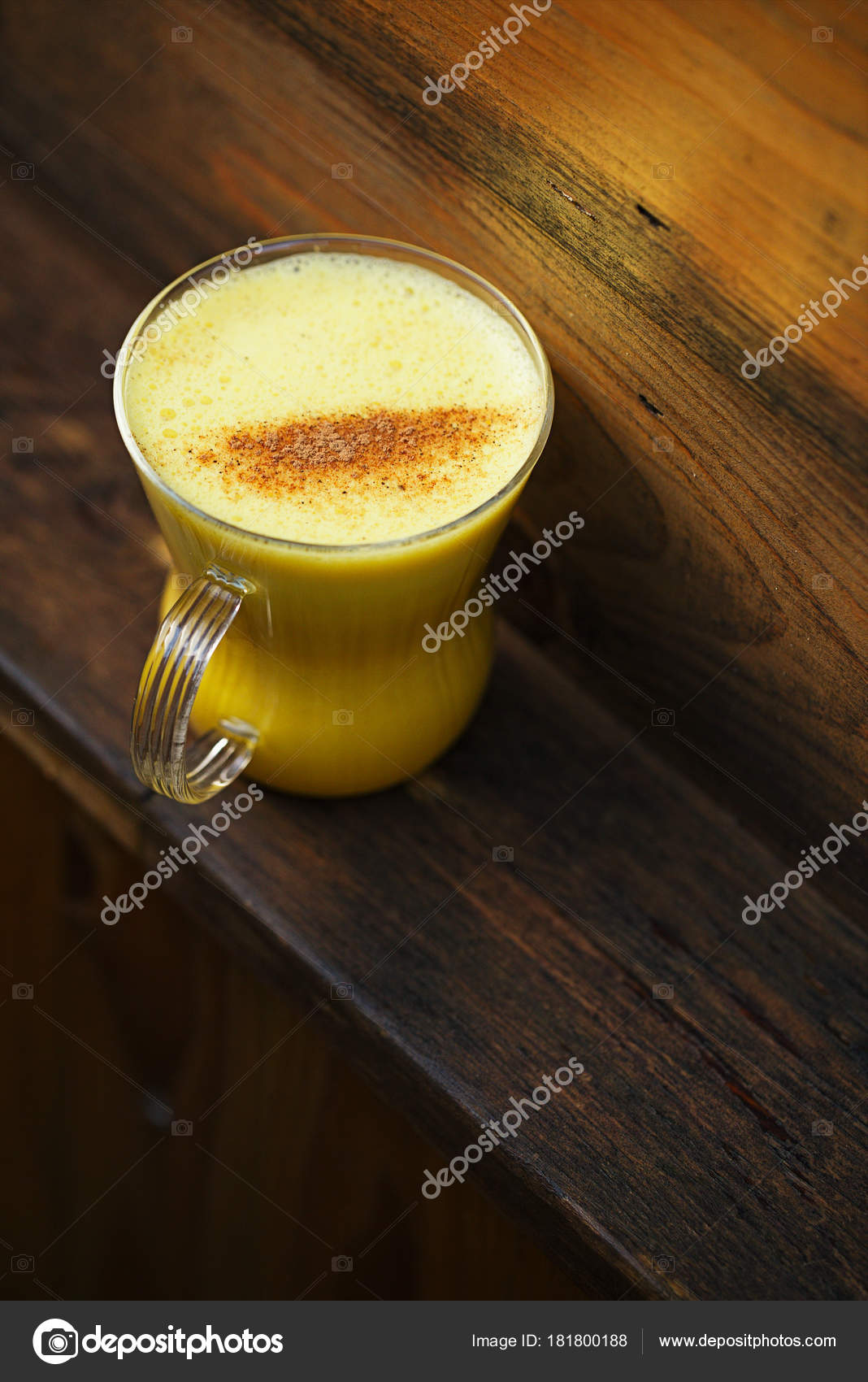 Zerdeçal ve Süt Karışımı (Altın Süt) Neye İyi Gelir