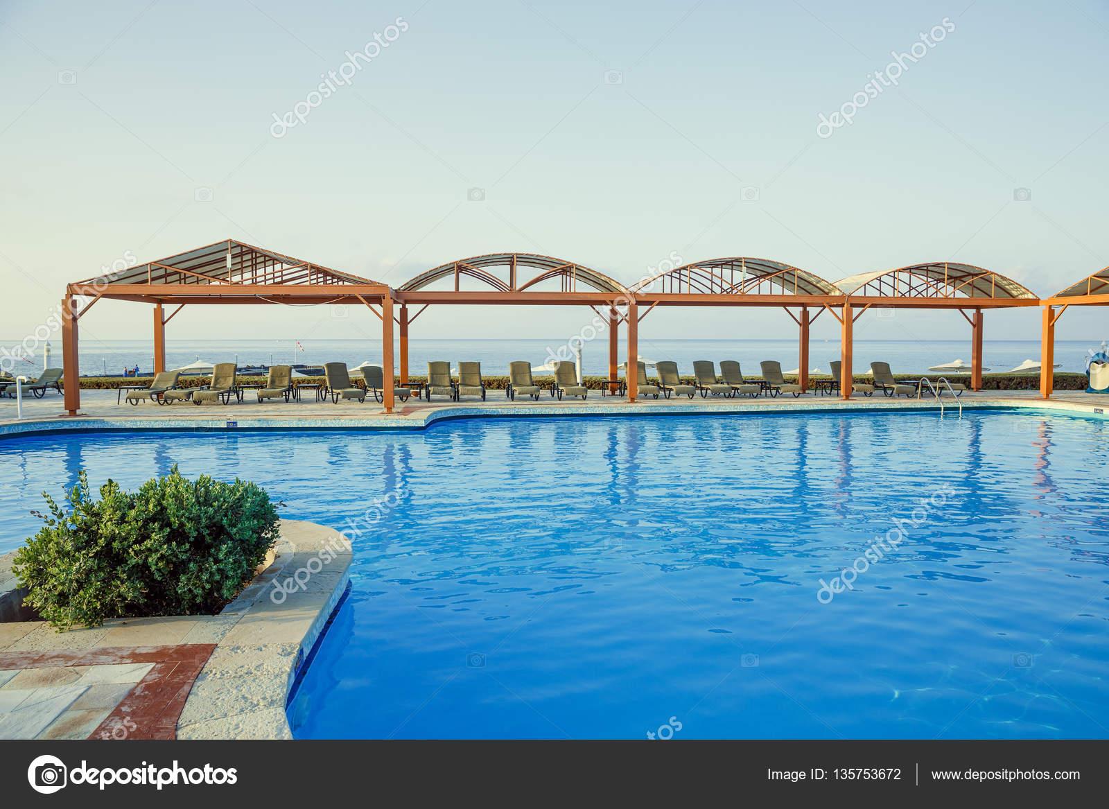 Amüsant Pool Salzwasser Sammlung Von Salzwasser-pool, Hotel In Griechenland, Mit Blick Auf