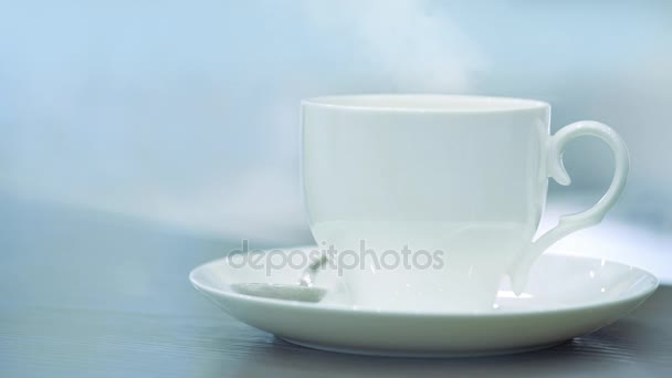 Pára z šálku s horkou kávou. Káva nebo čaj