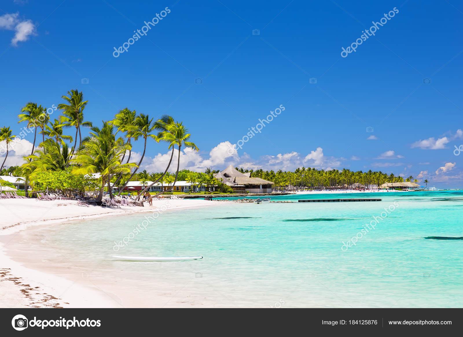 Hermosa playa de arena blanca en cap cana rep blica for Arena de playa precio