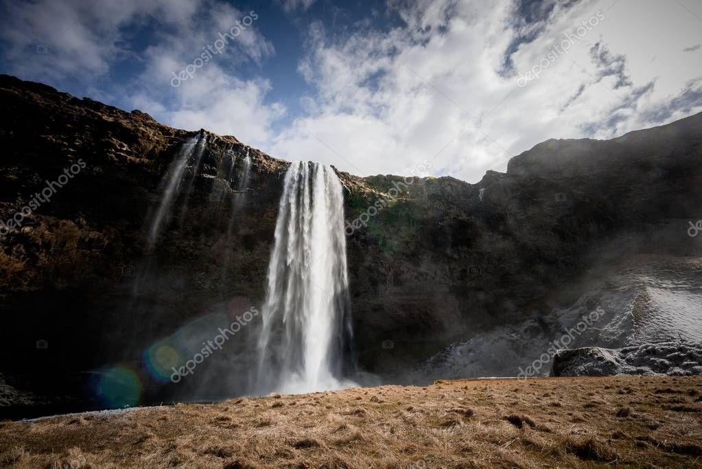Фотообои Waterfall in Iceland