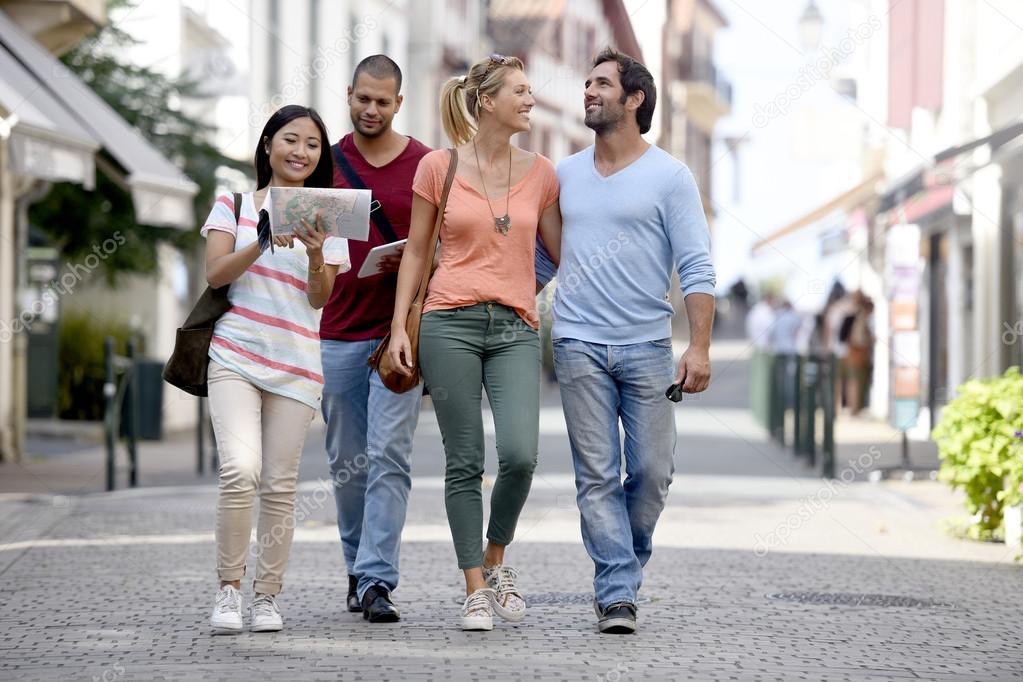 Imágenes: Personas Caminando