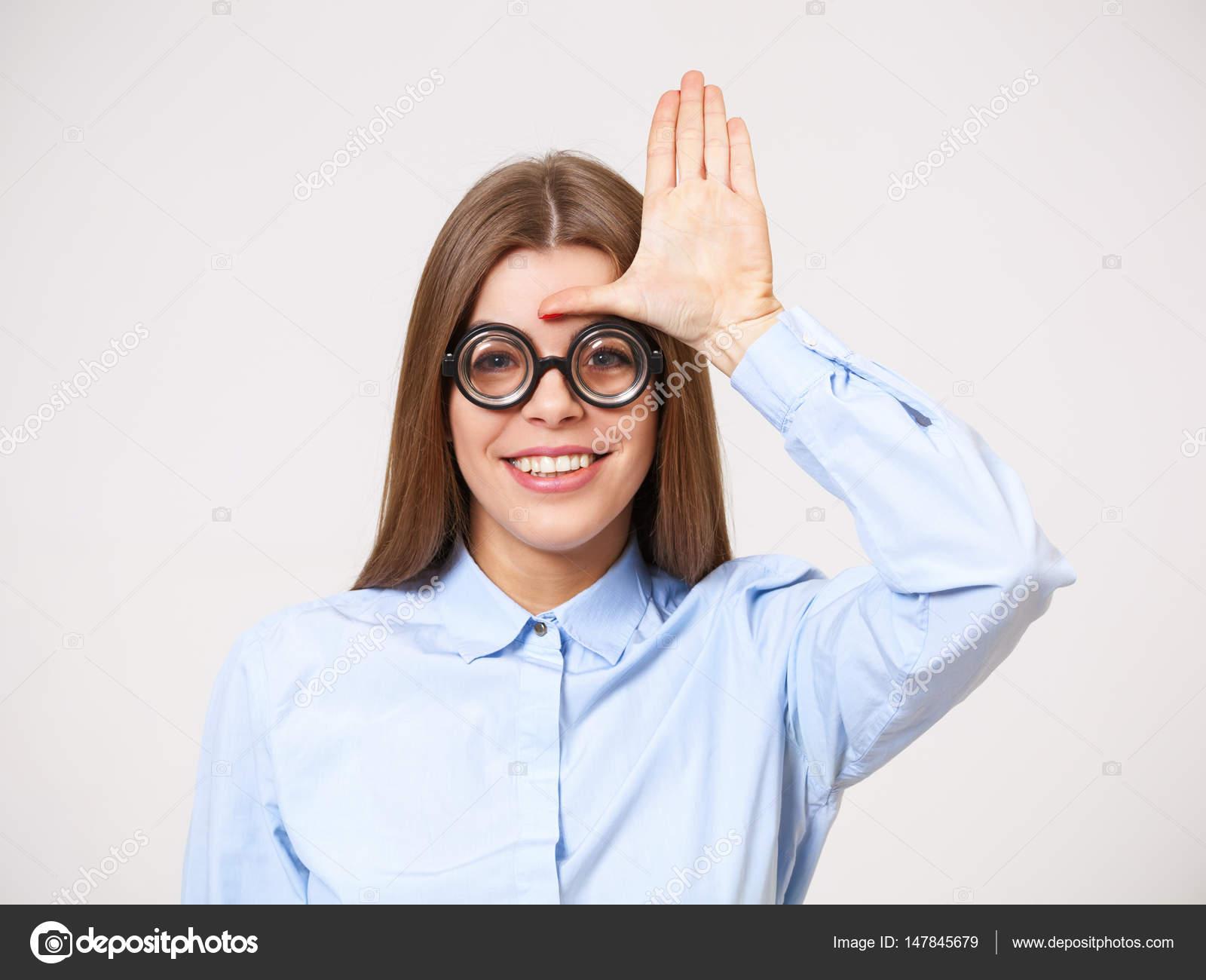 8ba419acb6 Προσωπογραφία Studio αστεία ευτυχισμένη νέοι επαγγελματίες στο μάτι nerd —  Φωτογραφία Αρχείου