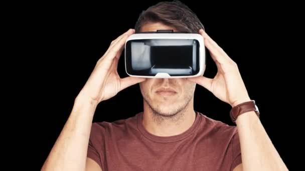 muž na sobě brýle virtuální reality