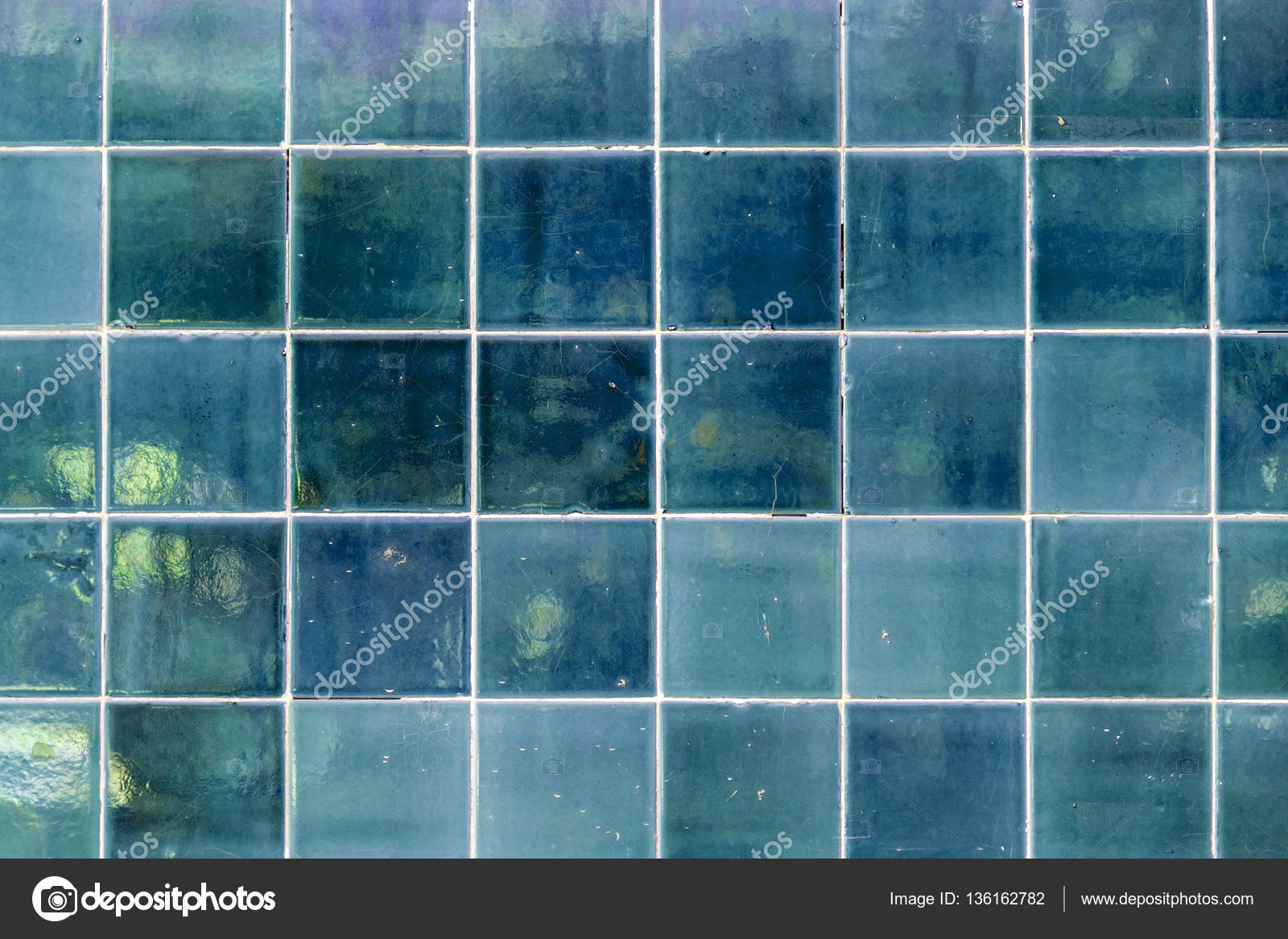 Wall texture with glazed ceramic tiles — Stock Photo © EnginKorkmaz ...
