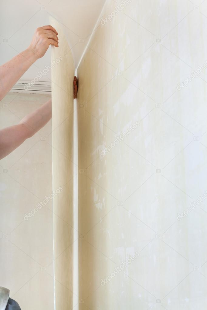 Tapezieren Auf Saubere Wand Im Zimmer U2014 Stockfoto