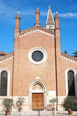 facade Chiesa dei Santi Nazaro e Celso in Verona