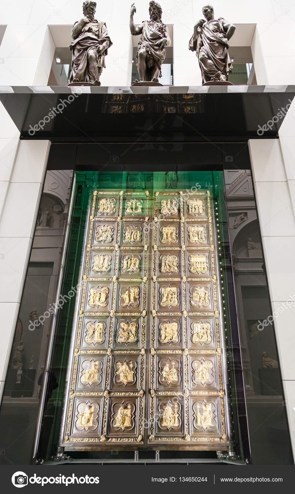 D coration de portes d origine de la cath drale de for Decoration porte novembre