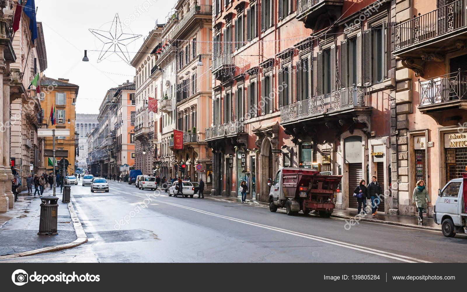 Via del corso de rua na cidade de roma no inverno for Bershka roma via del corso