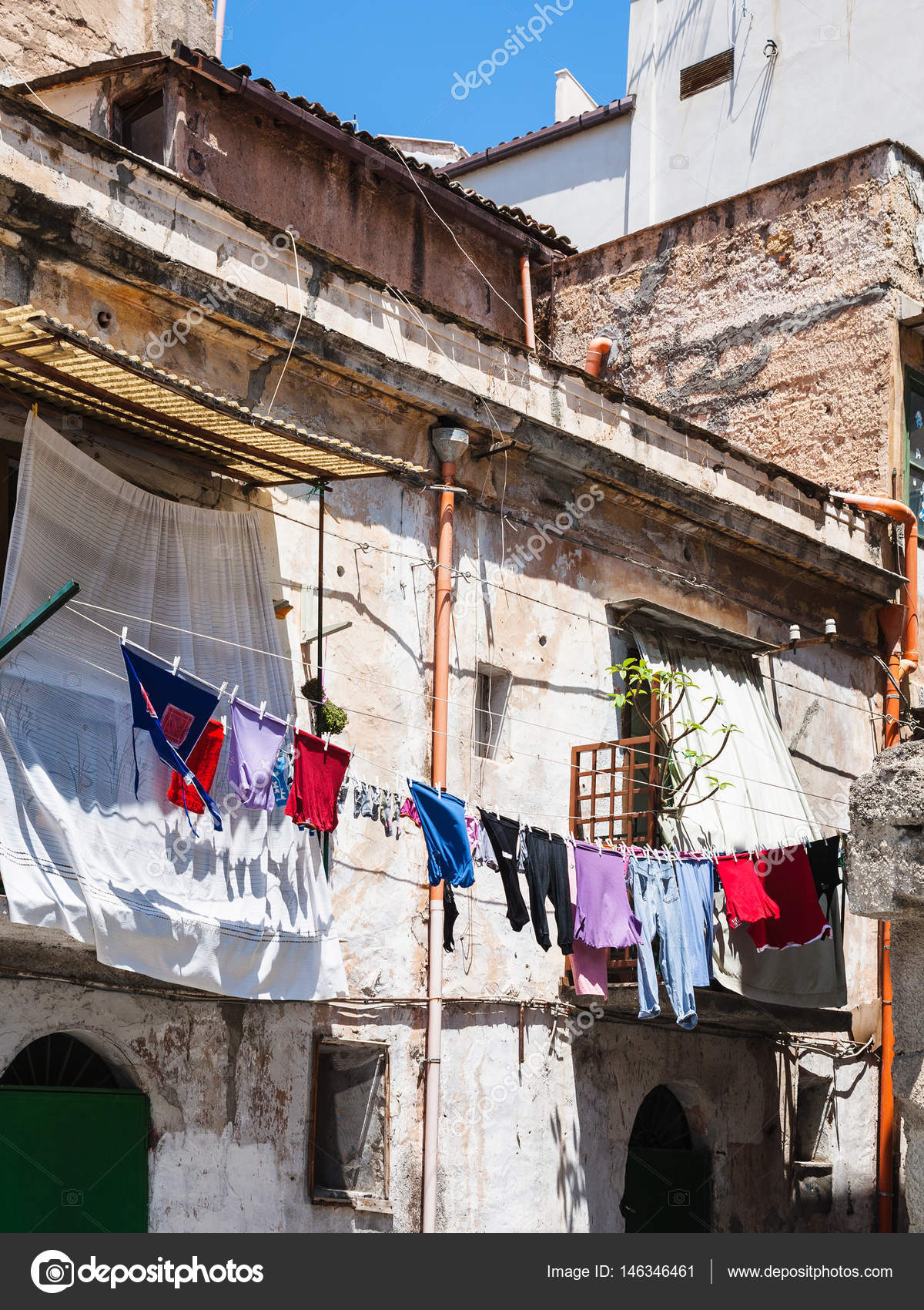 old urban house in Palermo city — Stock Photo © vvoennyy #146346461