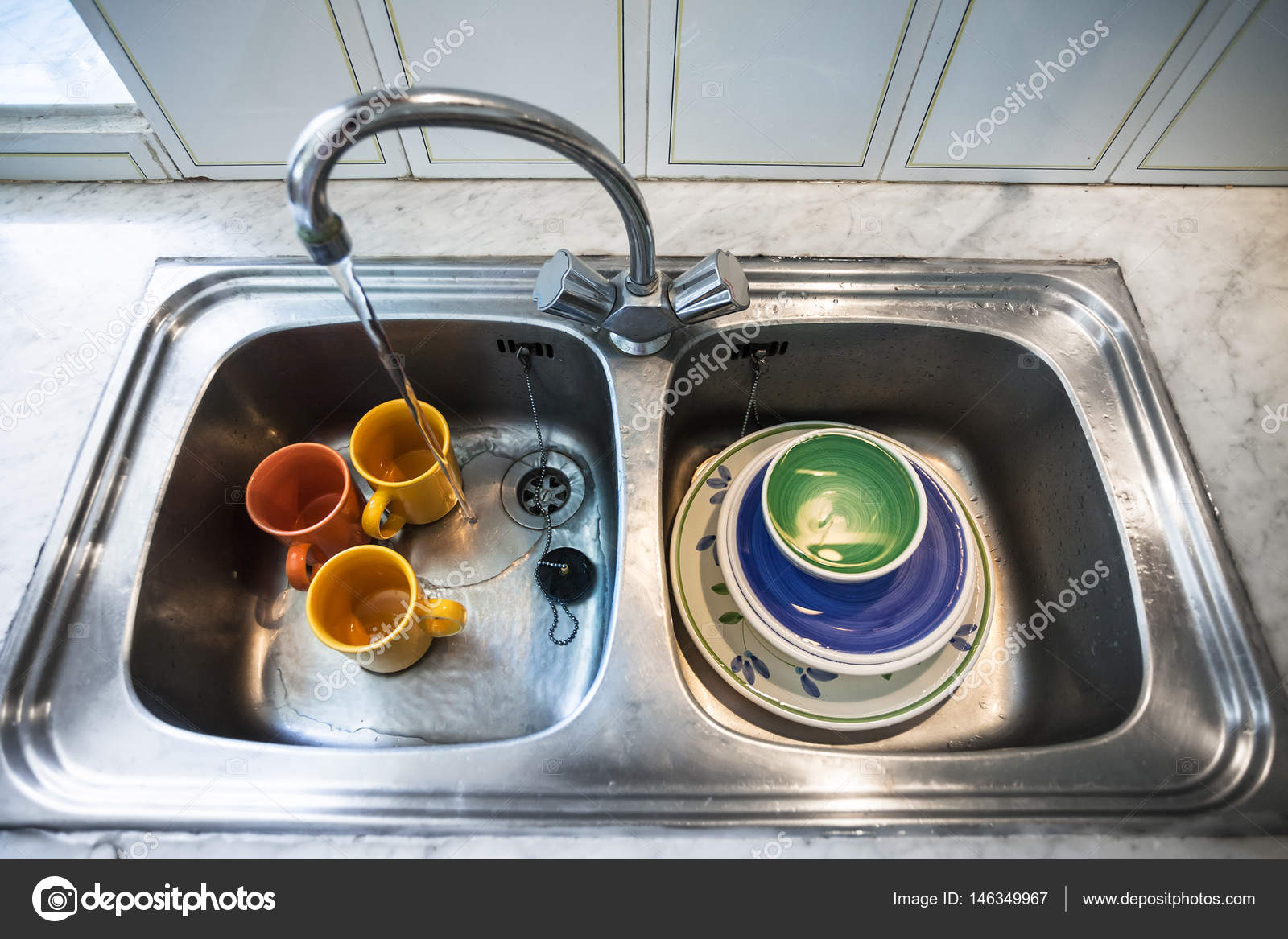 Dirty dishes in kitchen sink — Stock Photo © vvoennyy #146349967