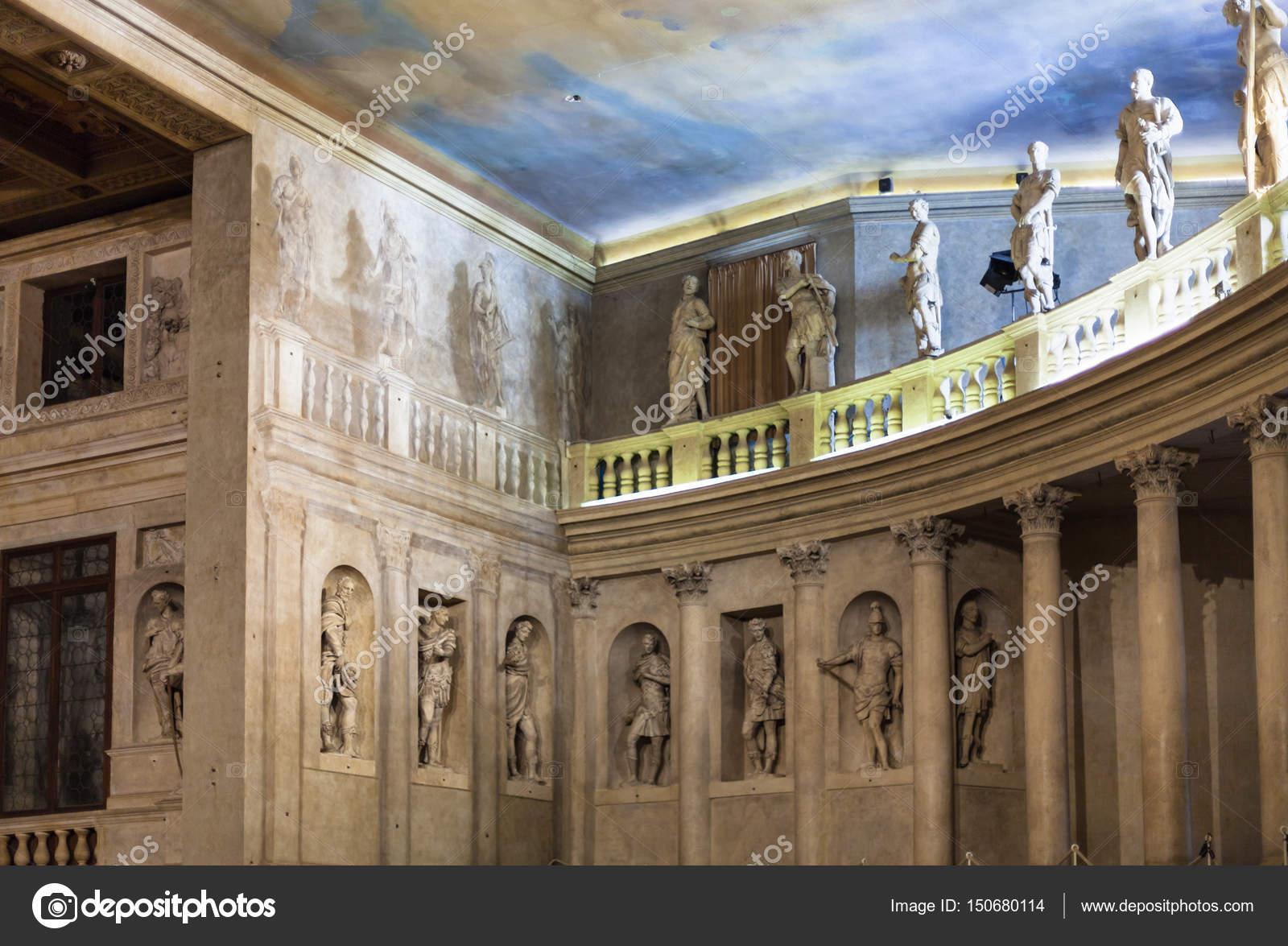 Foto Op Wand.Wand En Geschilderd Plafond Op Het Podium Teatro Olimpico