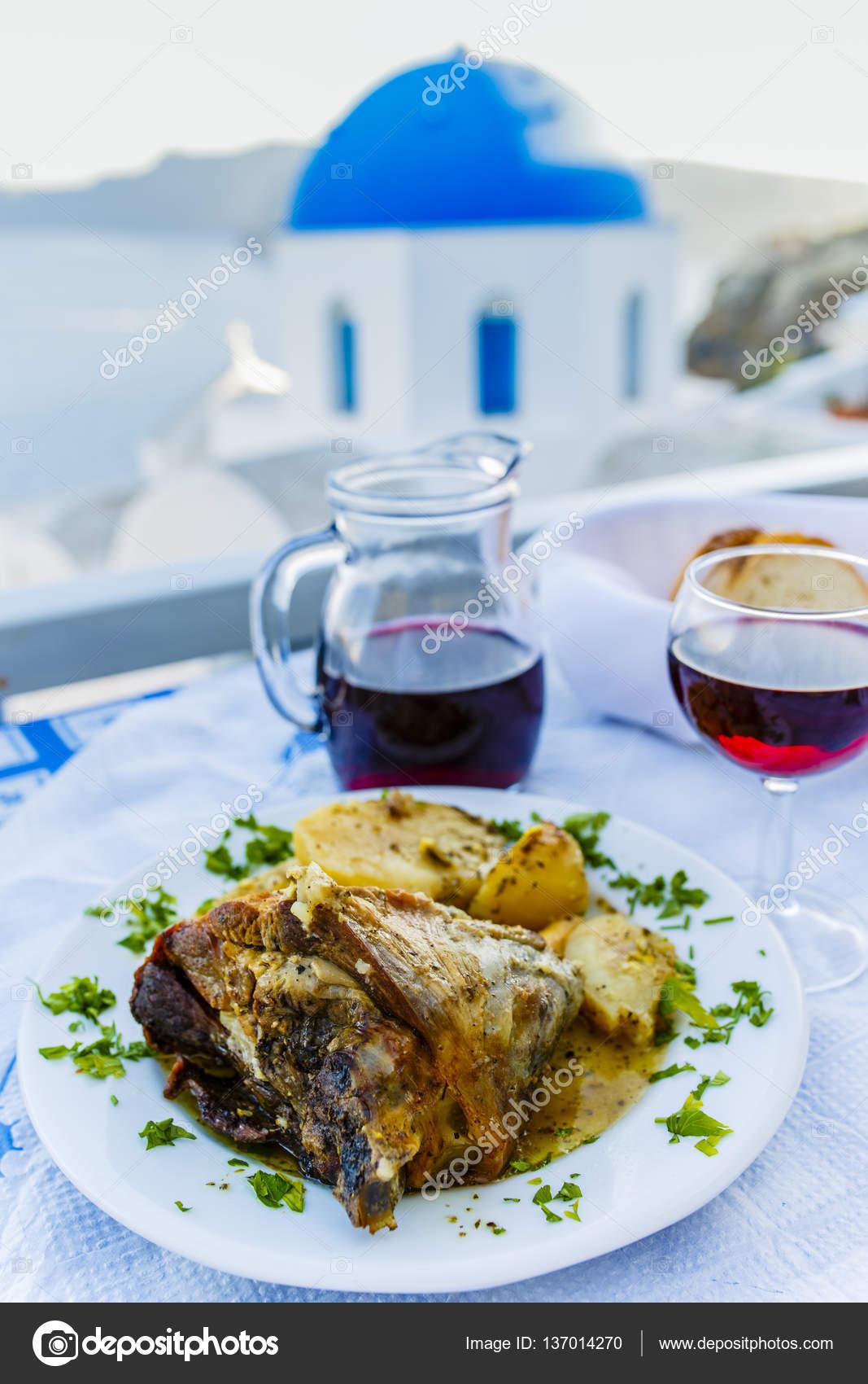 La cuisine grecque et vin rouge maison photographie gorilla 137014270 - Cuisine grecque traditionnelle ...