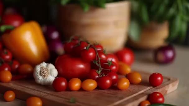 Bio-Gemüse, gesundes Ernährungskonzept. Kugelstoßer.