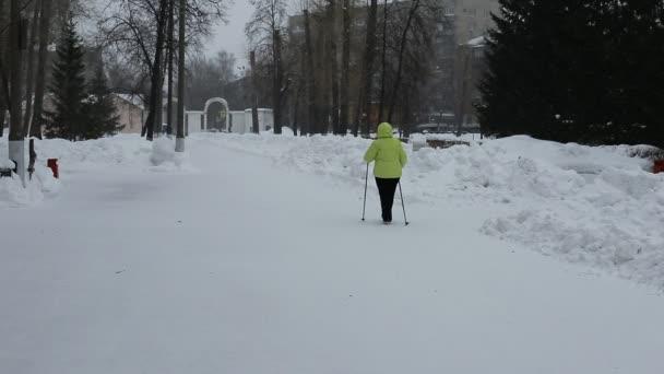 zdravý životní styl v každém věku v zimě i v létě