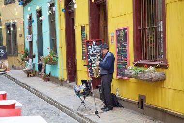 Street performance in Valparaiso, Chile