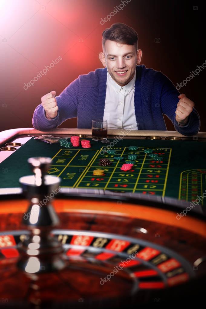 Casino plays gambling problem helpline