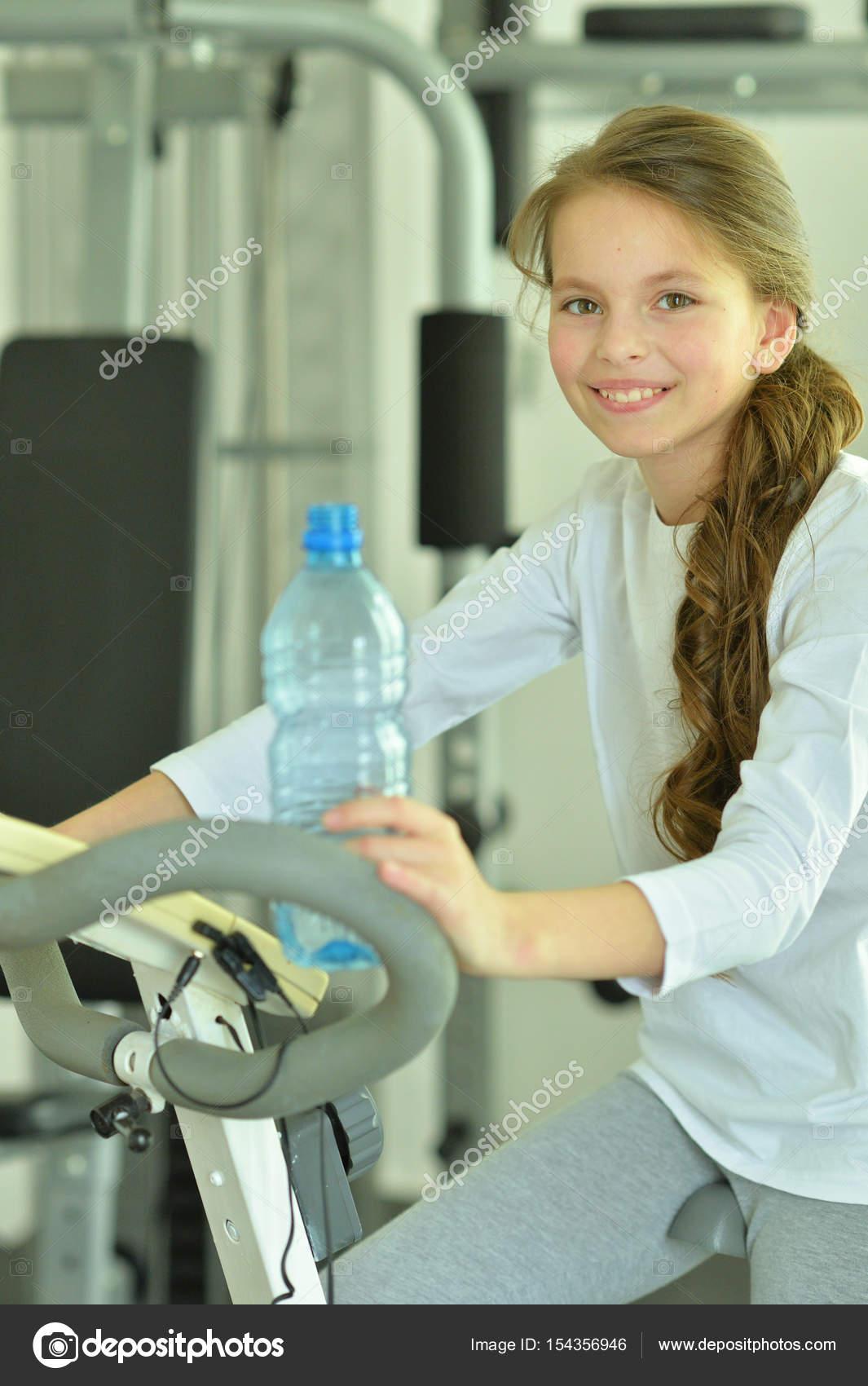 Meisje spuiten machine