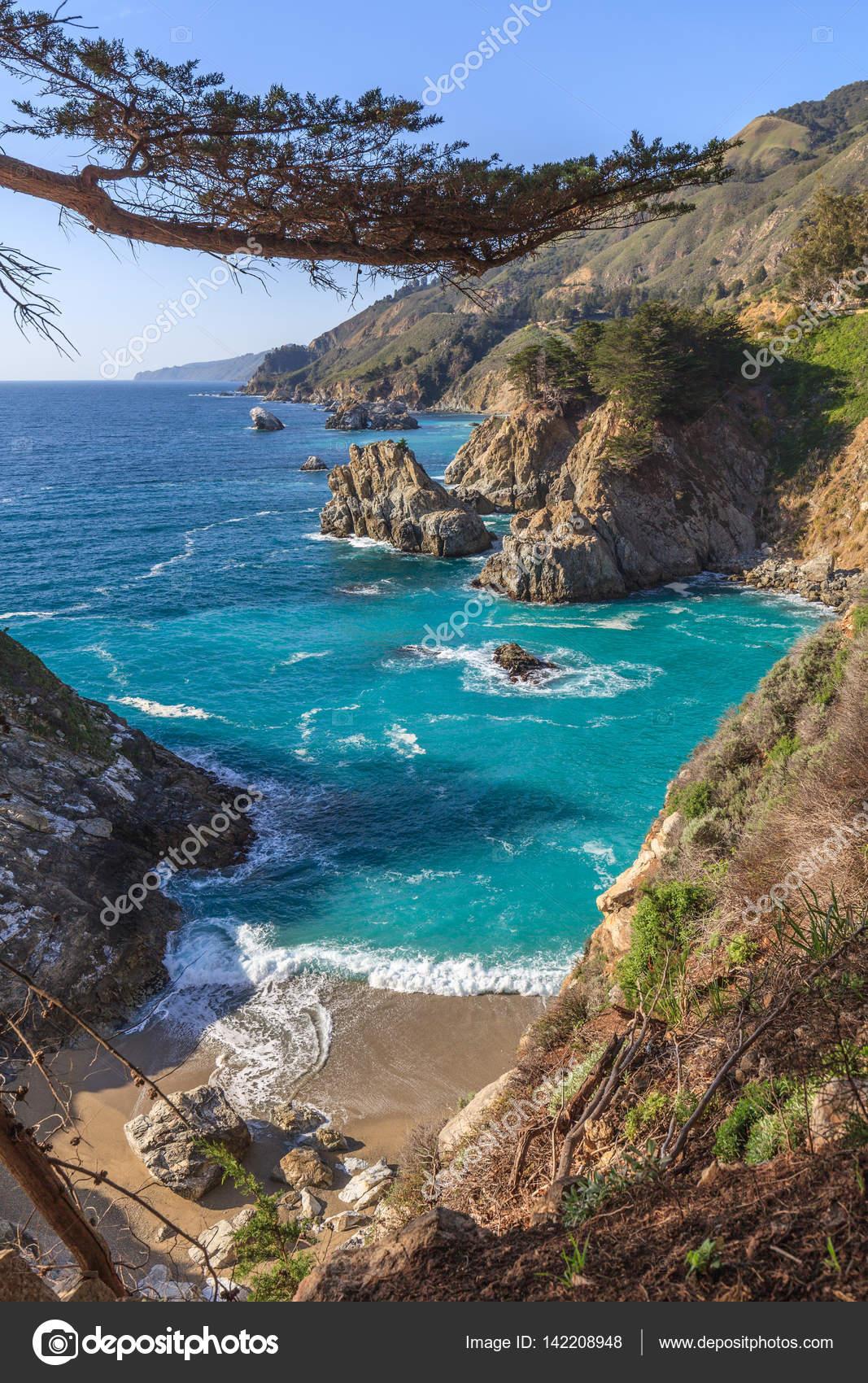 大きい sur カリフォルニアの海岸風景 ストック写真 twildlife