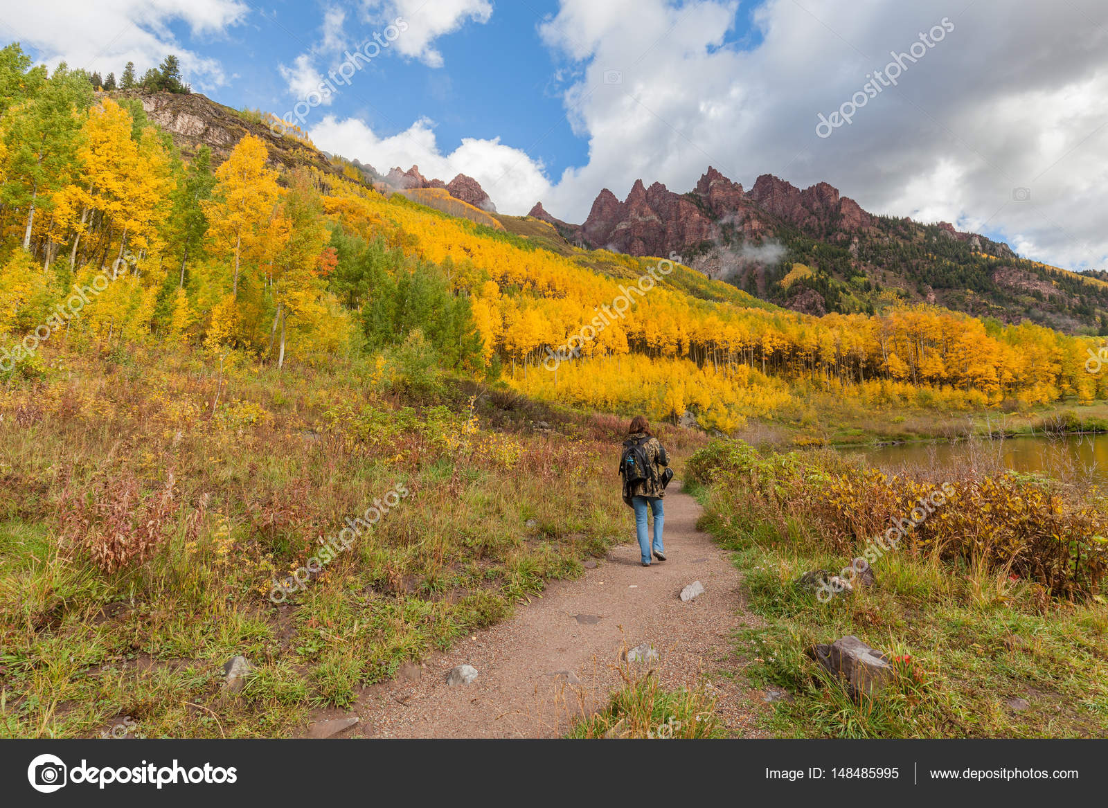 Autumn Hike at the Maroon Bells — Stock Photo © twildlife