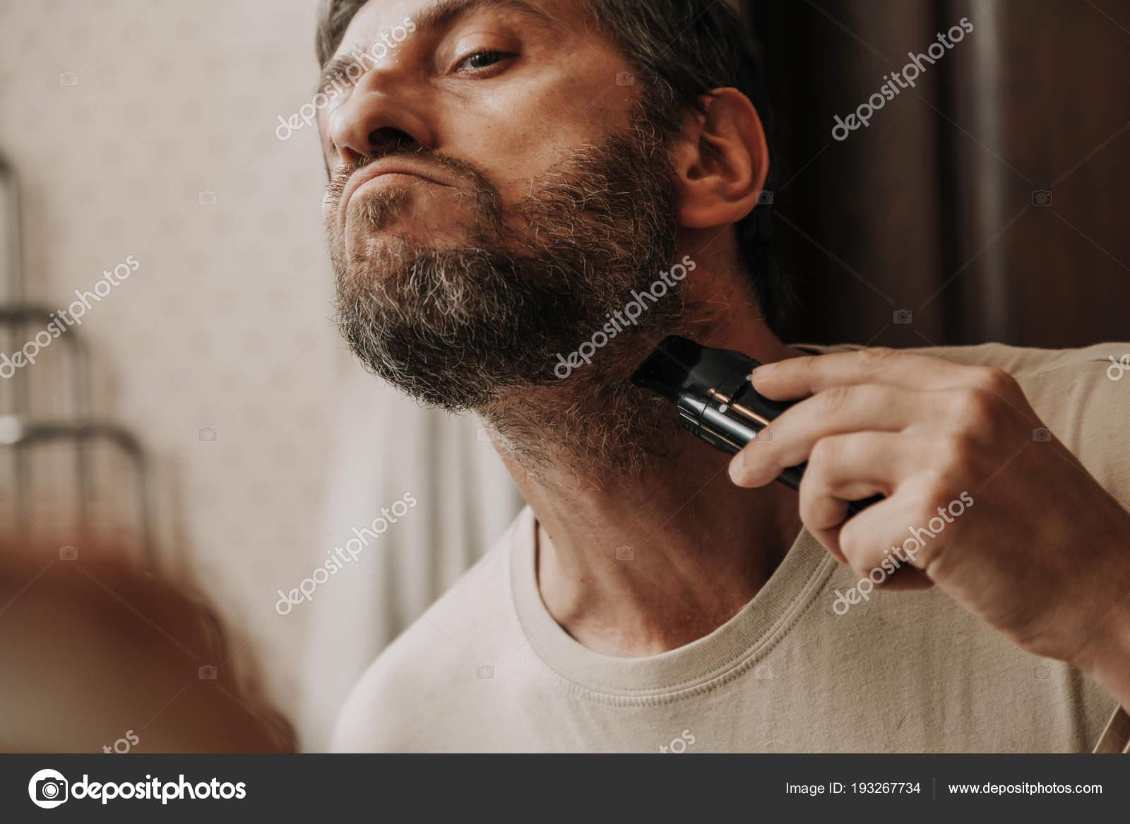 Fryzura Z Siwych Włosów Trymer Zdjęcie Stockowe Glebchik
