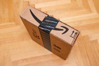 Amazon Prime smile arrow on a parcel cardboard box