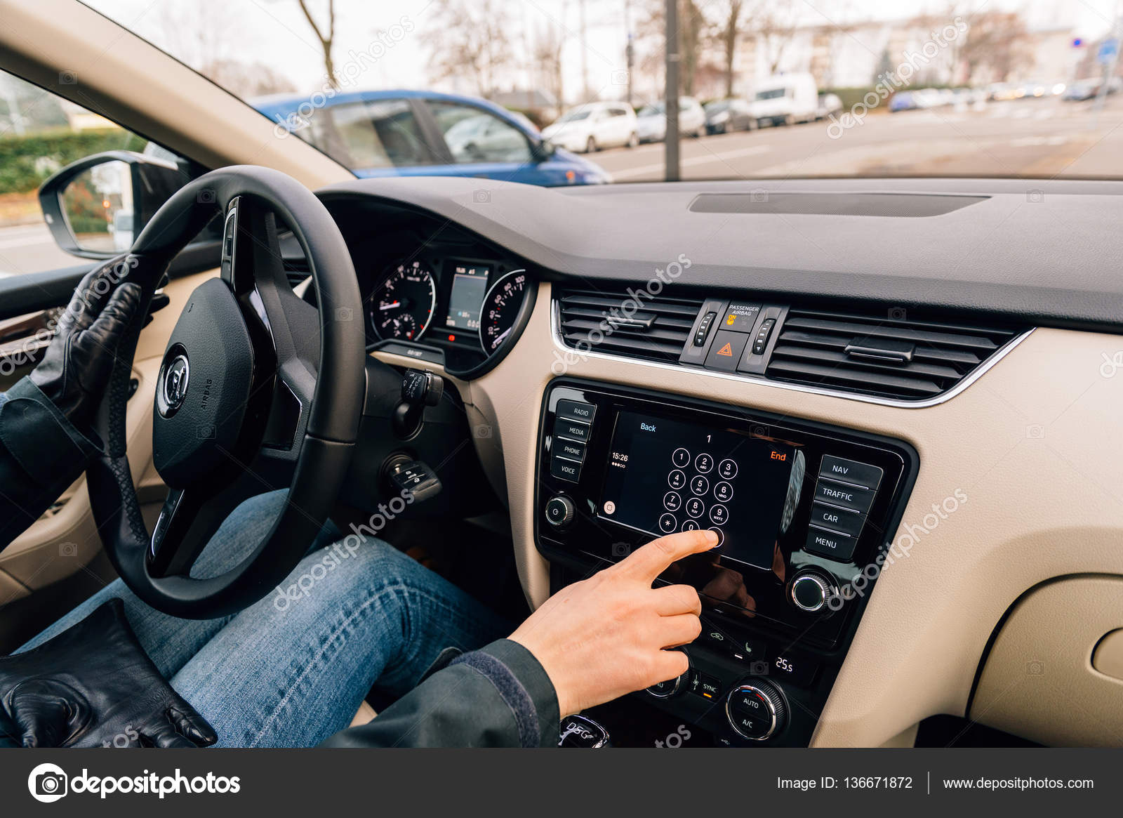 Woman Calling From Car Play Apple Car Dashboard Stock Editorial Photo C Ifeelstock 136671872