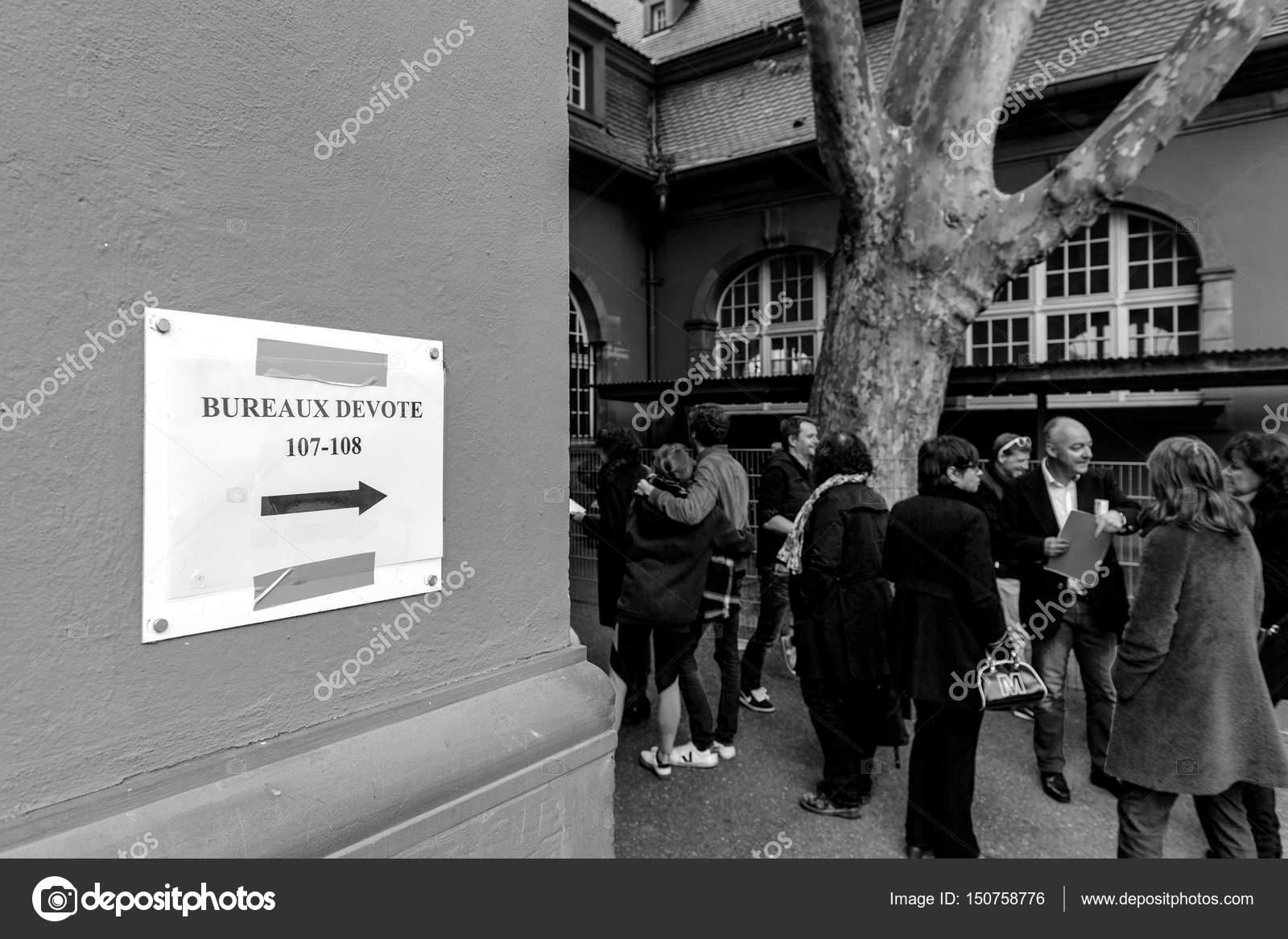 Bureaux de vote voting section france queu u redaktionelles