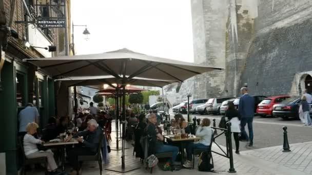 Staré a luxusní restaurnat ve Francii