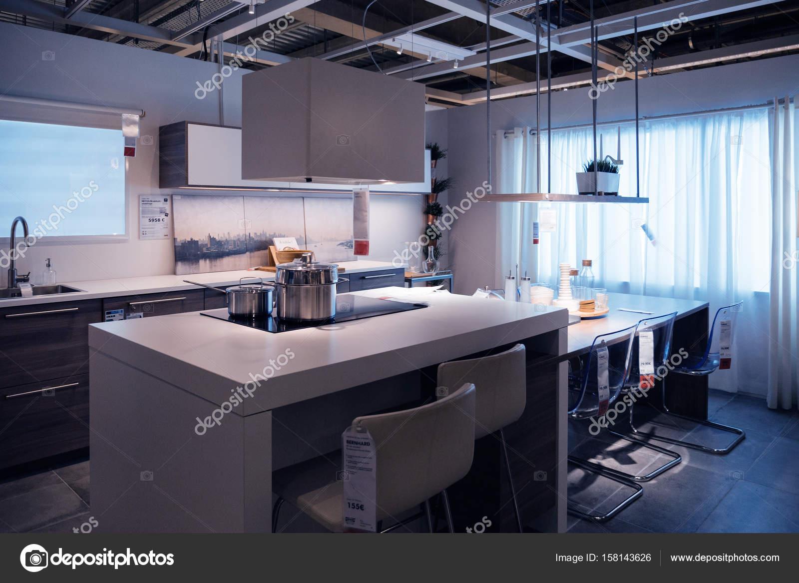 Keuken Ikea Moderne : Ikea keuken winkel model thuis winkelen u redactionele stockfoto