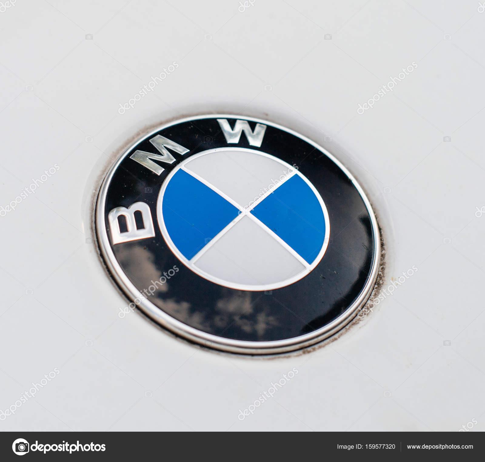 insygnia logo bmw na samoch243d zdjęcie stockowe editorial