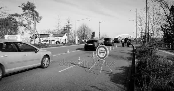 Francouzská Německá policie kontroly vozidel