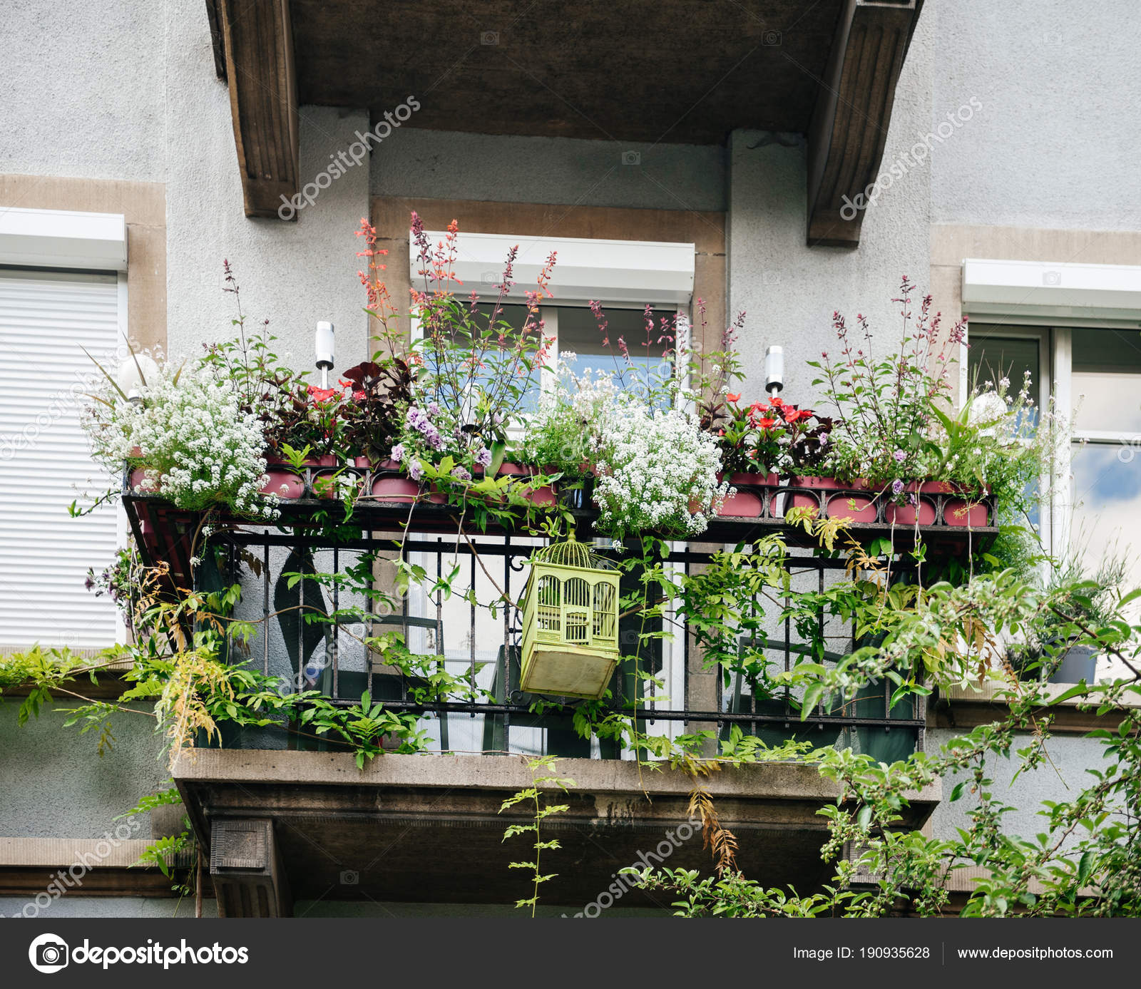 Blumentpfe fr balkon sicherheit auf dem balkon for Blumentopf verkleidung